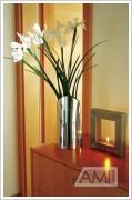 váza veža v prevedení so svietnikom